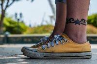 tatuaż - gwiazdka nad kostką