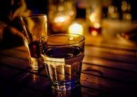 alkohol w barze